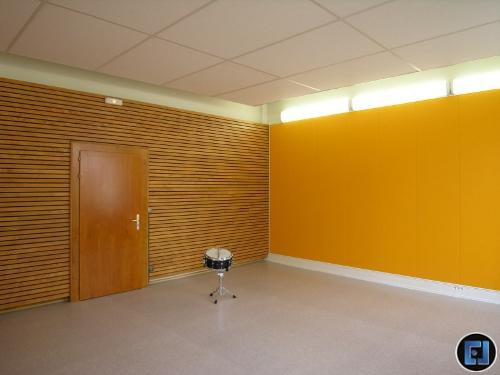 Mur acoustique en bois ajour salle de batterie Molsheim